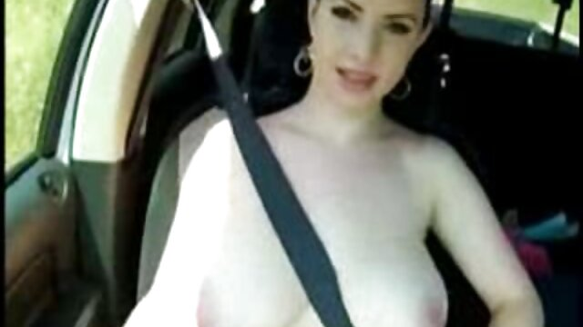 乗客の繊細さを熱心に高く評価するタクシードライバー 女性 の エッチ 動画